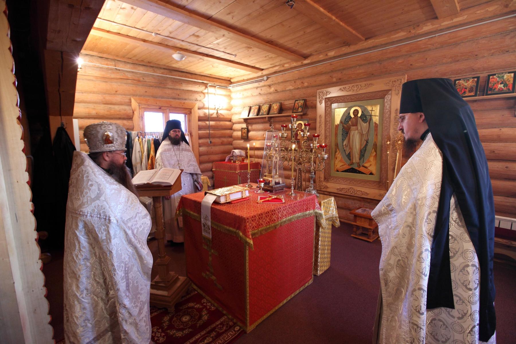Храм Святителя Николая служба
